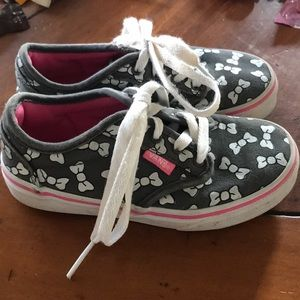Girls Minnie Mouse bow Vans